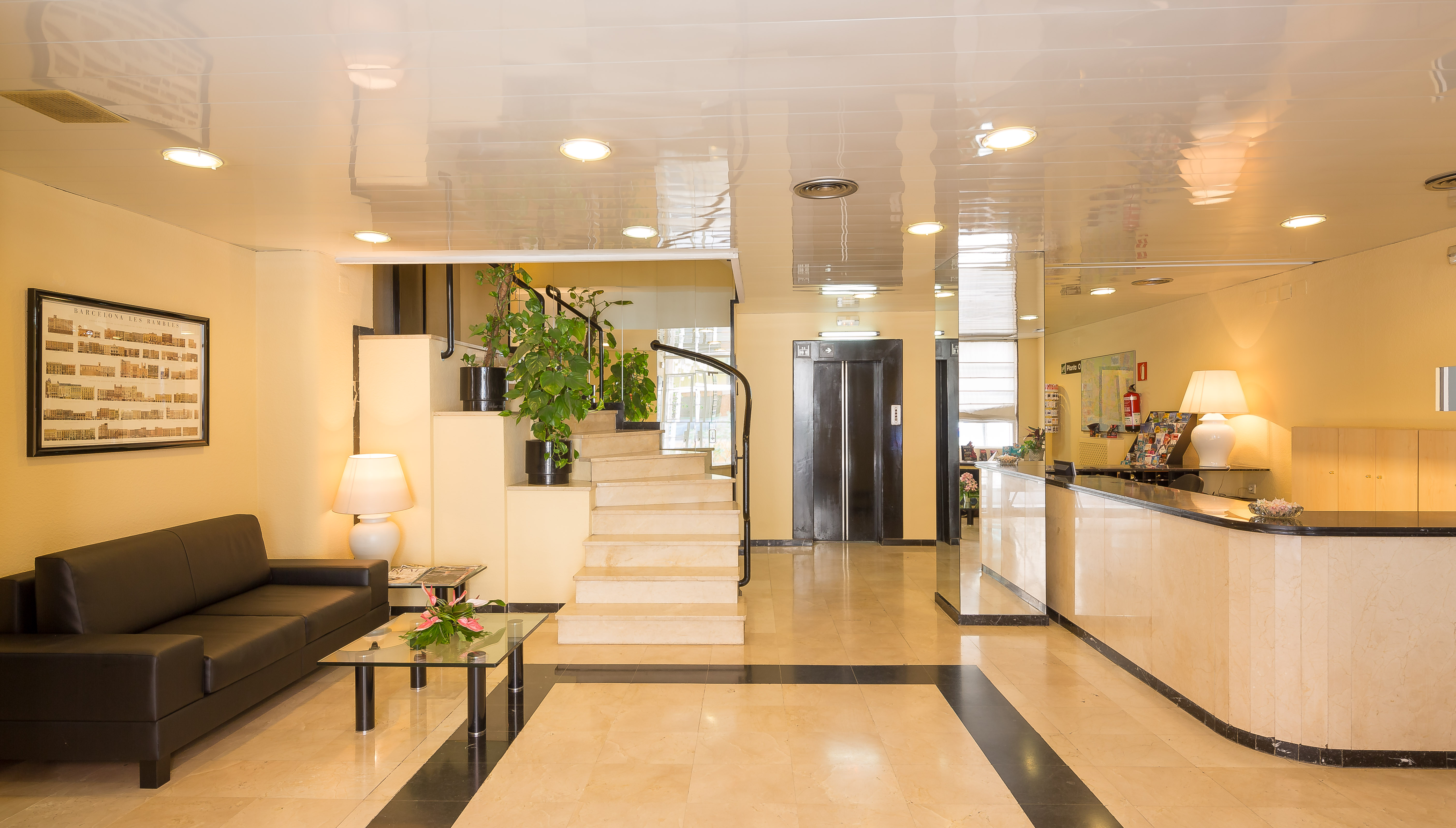 Aparthotel Bertran | City Hotels | Official Website