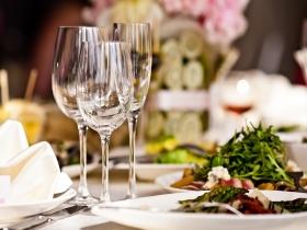 GOURMET DINNER BREAK AT THE HOTEL CONDES DE URGEL